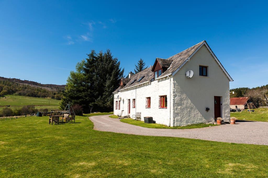 stunning loch ness views from spacious farmhouse h user zur miete in abriachan schottland. Black Bedroom Furniture Sets. Home Design Ideas