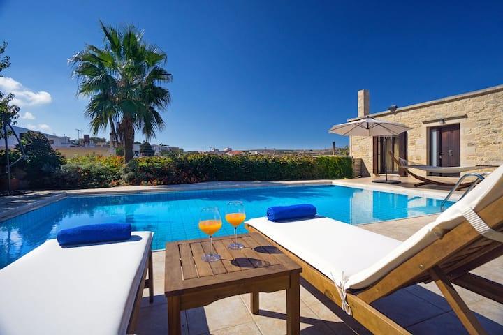 Cozy Stone Villa, 3 BD, private pool