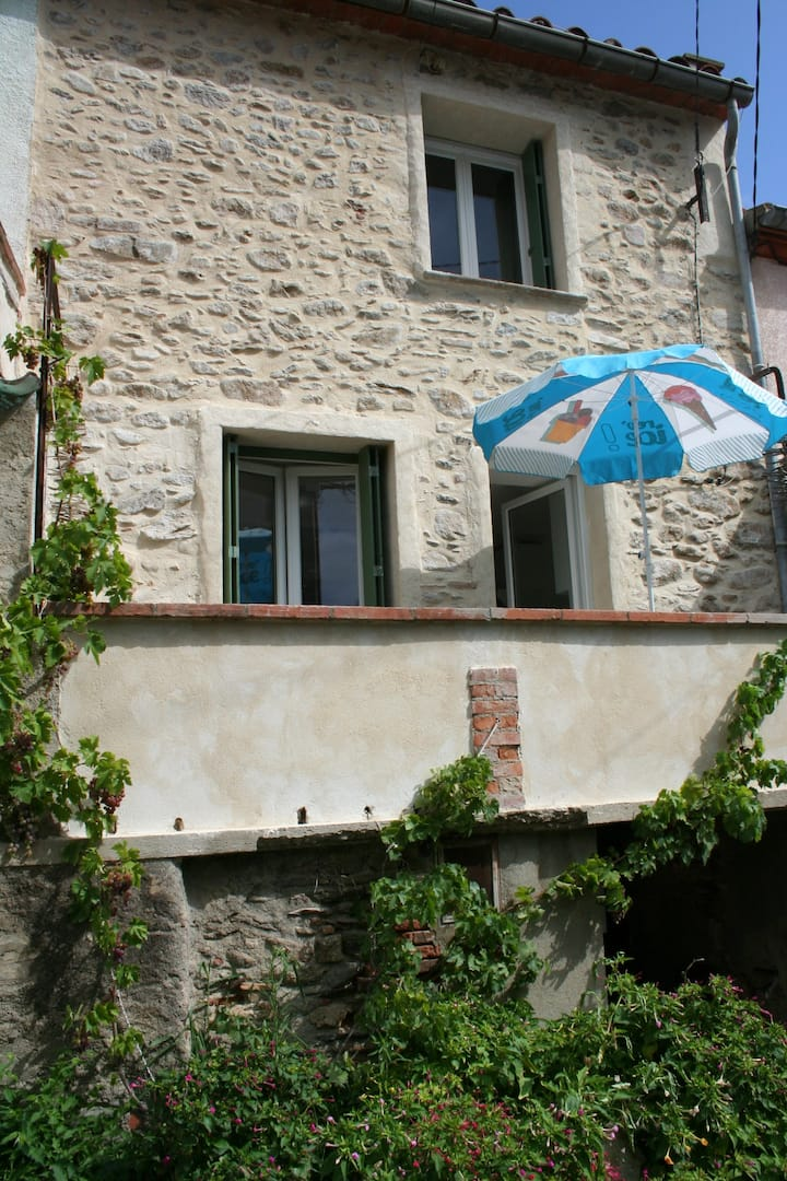 Maison de village typique et confortable