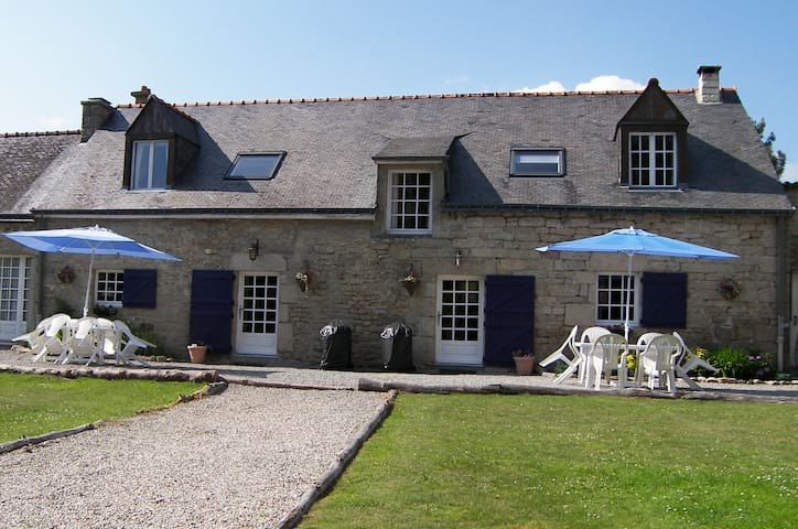 Family Friendly Cottages, Pool & Huge Games Room