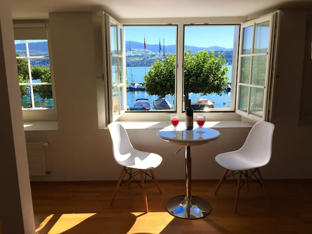 Lovely lakeview flat, near Zurich - Stäfa - Kondominium