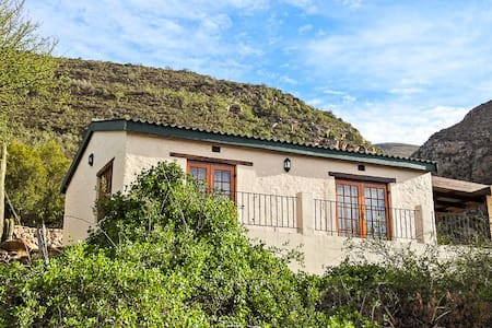 Klipspringer Self Catering Cottage - Klein Karoo
