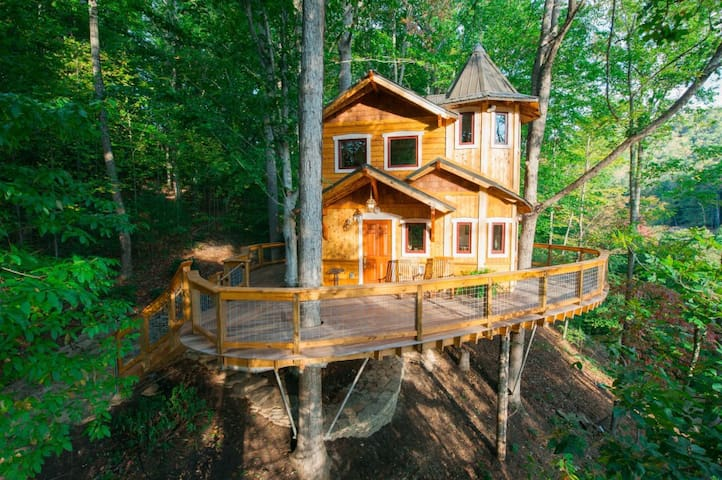 Treehouse Bucketlist Treehouses For Rent In Asheville