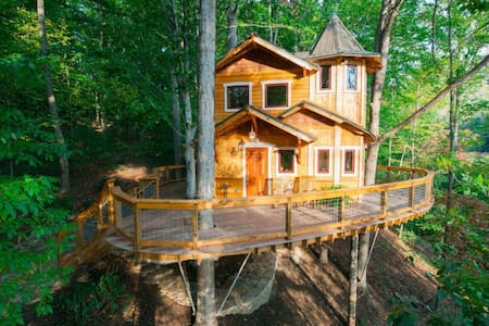 Treehouse Gem - a REAL treehouse - Weaverville - Casa sull'albero