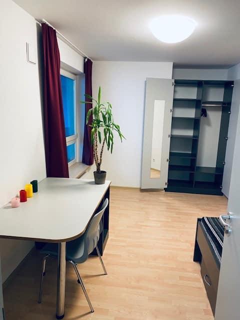 Sauberes zentrales Einzelzimmer in ruhiger WG
