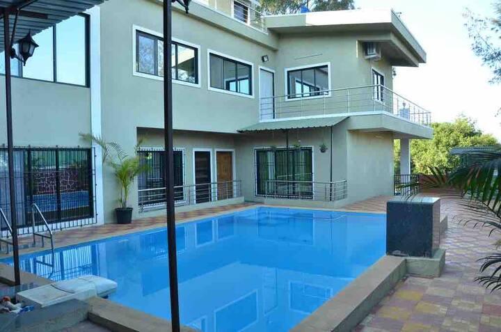 Luxurious 6 bed Pool villa @Panchgani,Mahableshwar