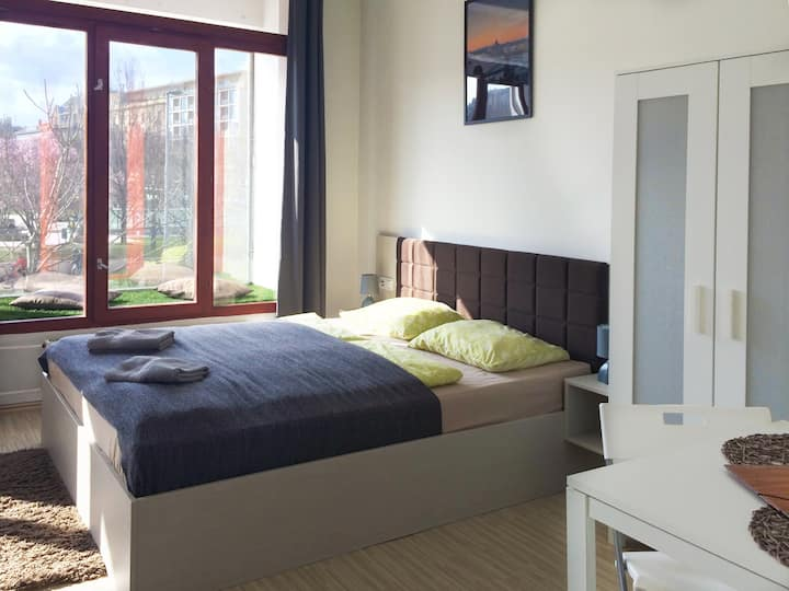 Zoom-Budapest Apartments - Studio for 2
