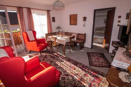 Schöne Wohnung mit 2 Schlafzimmern
