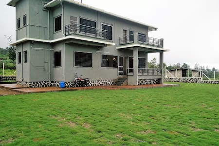 Panchgani Greens - 2 Bedrooms with private lawns - Panchgani - Bungalow