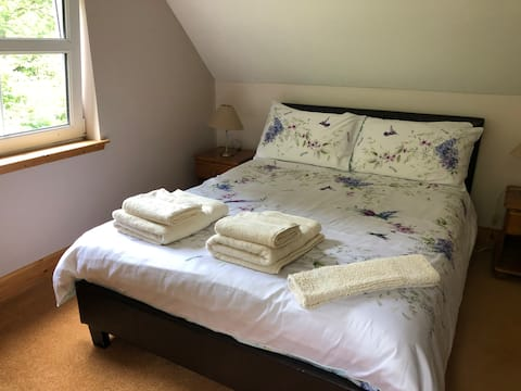 Forester's Lodge by Loch Ness  (Double Room 2)