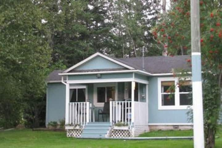 WaterView Cozy 1 Bedroom Cottage in Bouctouche, NB