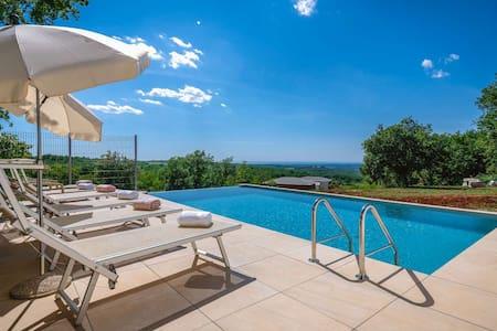 Villa Vista Mare with infinity pool