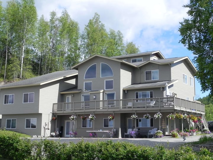 McKinley View Inn on Big Lake