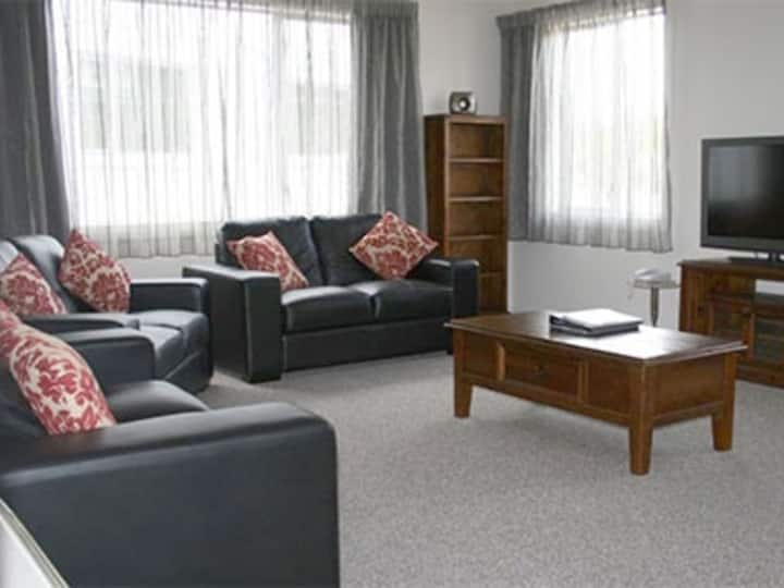 3 Bedroom Apartment at Harbour View Motel, Timaru