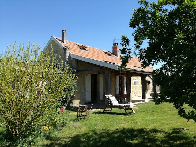 Belle maison en pierre proche Bordeaux - Parempuyre - Huis