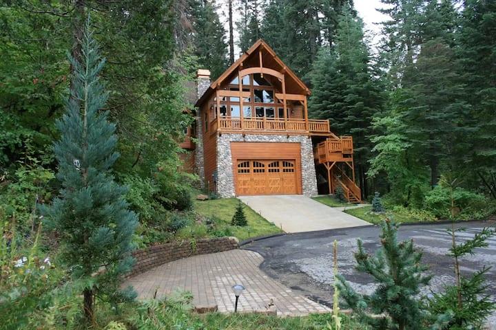 Luxury home inside the Yosemite park gates