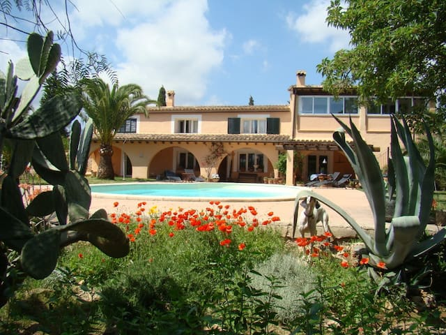 Sunny & quiet apartment in Finca near sea and town - Bunyola - Leilighet