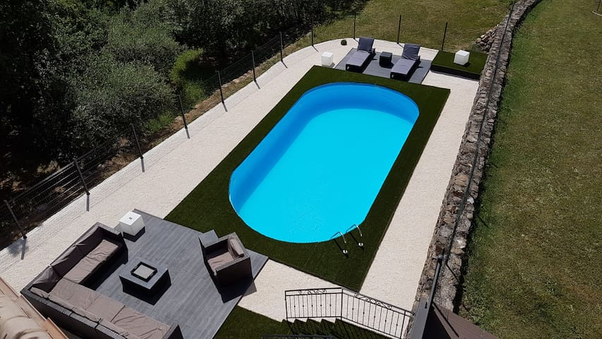 Jolie villa au calme 160 m² avec piscine privée