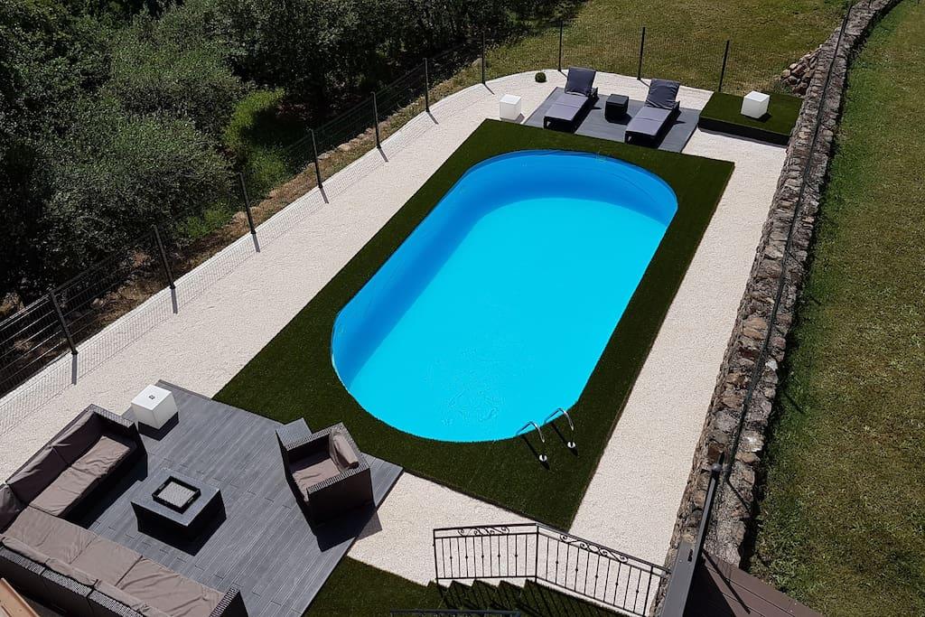 Jolie villa au calme 160 m avec piscine priv e villas for Location auvergne avec piscine
