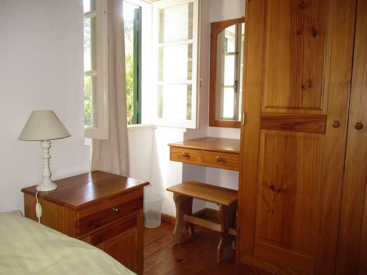 Hiker's nest bedroom in Porto da Cruz