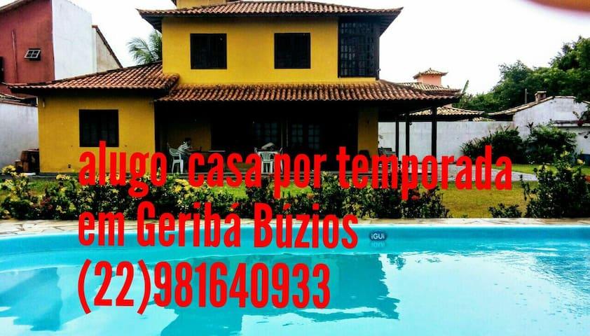 Excelente casa Geriba independente e com piscina.