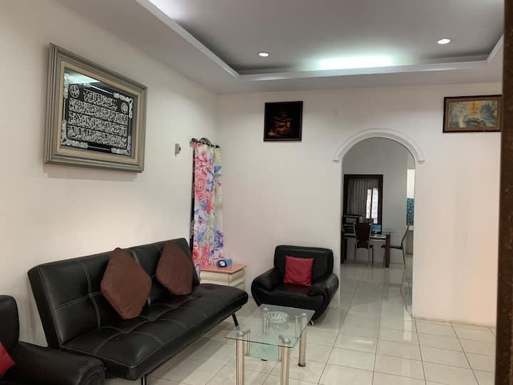 Home sweet Home for 6 people Jatipadang Ps.Minggu