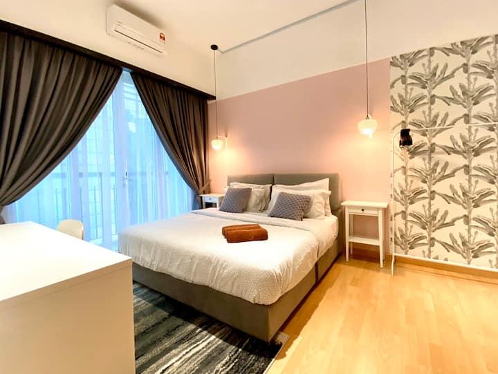 TROPICAL BLUSH(╯3╰) KL~Changkat~Jln Alor~King bed