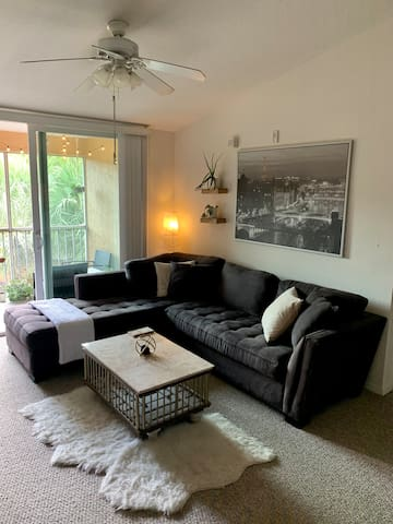 Tranquil apartment close to tourist attractions