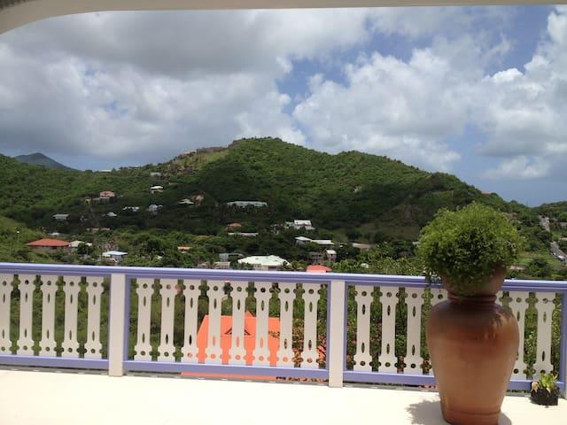 Chambre studio  dans villa avec belle vue dégagée