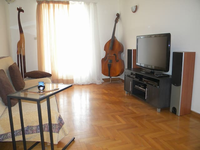 Music apartment at the center of Athens