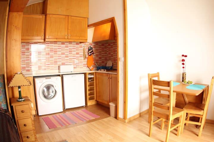 A Casinha, um estúdio de encantar nas muralhas!
