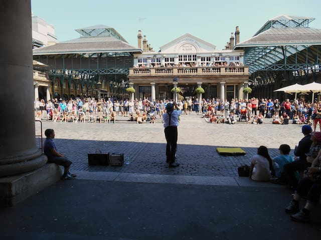 Street Entertainment Covent Garden Piazza
