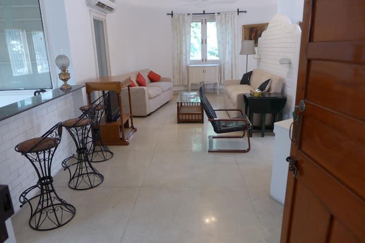 Jor Bagh Lodhi Gardens Central Delhi Studio Flat
