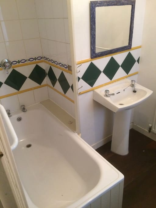 Mckenna 39 s bedroom no 8 houses for rent in leitrim for Mckenna s kitchen and bath