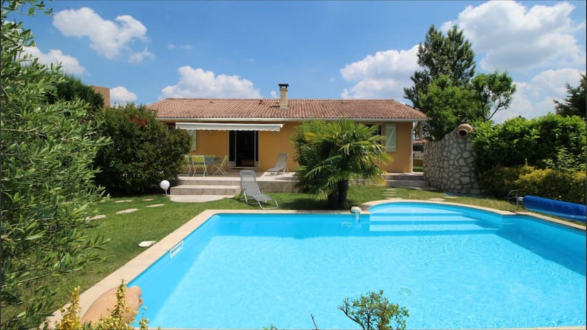 Maison familiale **** avec piscine - Audenge - Haus