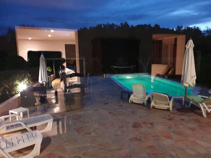 Villa 8 personnes région Aléria avec piscin privée