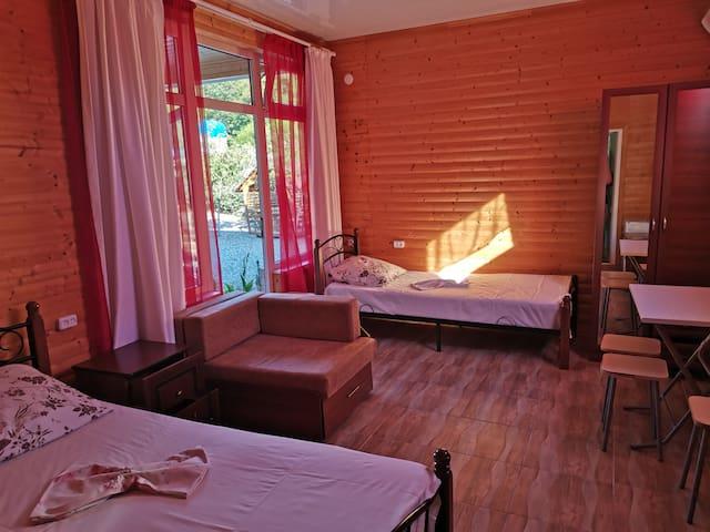 Отель «Бамбучо». Трехместный люкс