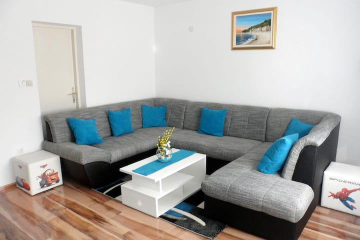 Two bedroom apartment with balcony Smoljanac, Plitvice (A-5194-b)