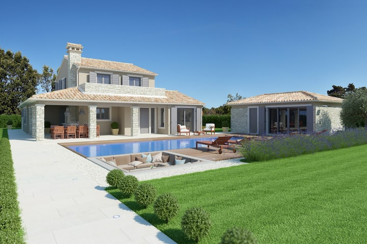 NEW Luxury spacious Villa Aurelia with heated pool