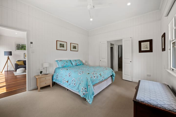 Main Bedroom with walk in robe and ensuite