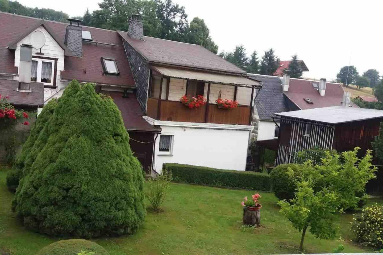 Wohnhaus Fam. Ebert mit Garten