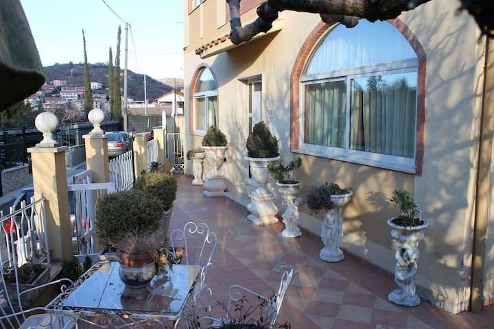 Un appartamento per famiglie e creativi
