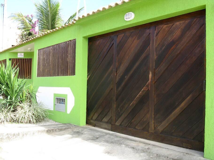 Vitoria Guest House - Entrada Garagem