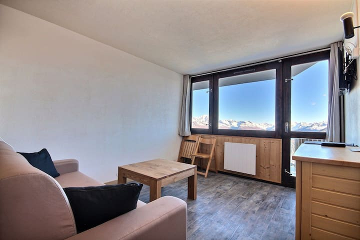 Nicely refurbished studio, amazing view on Mont-Blanc
