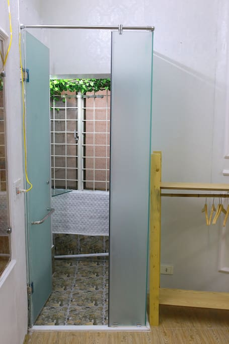 Bathroom in the bedroom (Toilet is separated on the 1st floor)