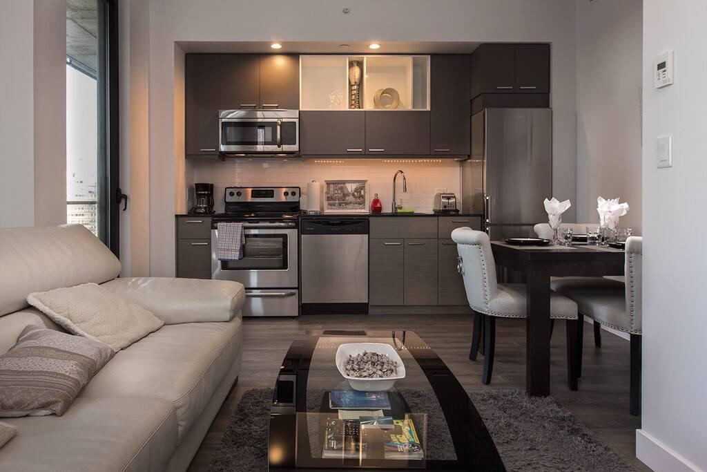 Salon / salle à manger et cuisine