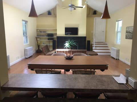 어퍼 리버 안장 주택의 매력과 평화