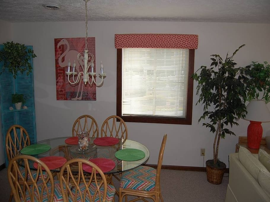 Chair,Furniture,Tree,Dining Room,Indoors