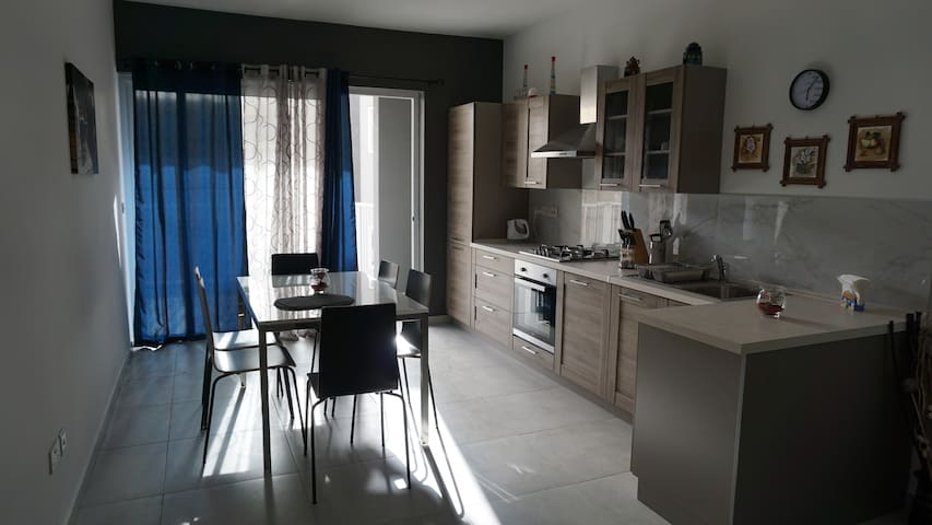 Luqa - Apartment 5 mins from Airport