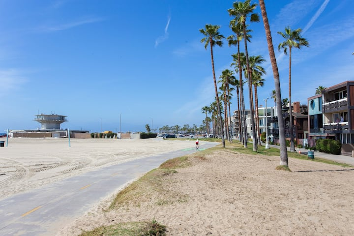 Luxury Venice Beach Home - 40 Meters Walk to Beach